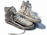 cobain_converse.jpg